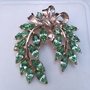 Vintage pale green navette rhinestone gold bow pin
